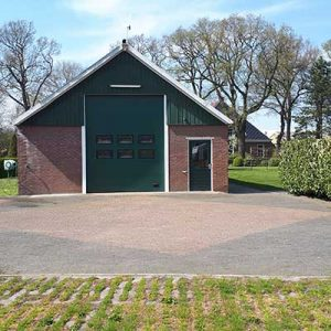 Cluster 3..., de schuur van de familie Hoogland
